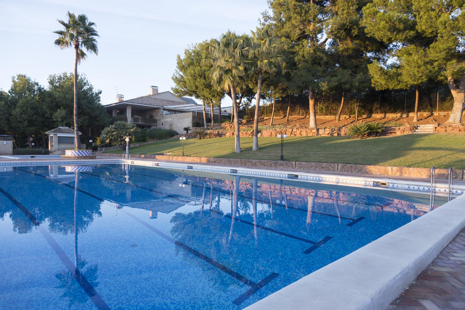 Club Social Alfinach<br>Apertura piscinas